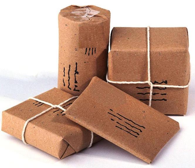 Серая бумага идеально подходит для упаковки